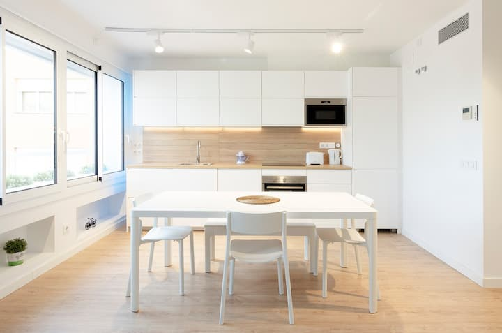Newly Renovated Apartment Close to the Old Town