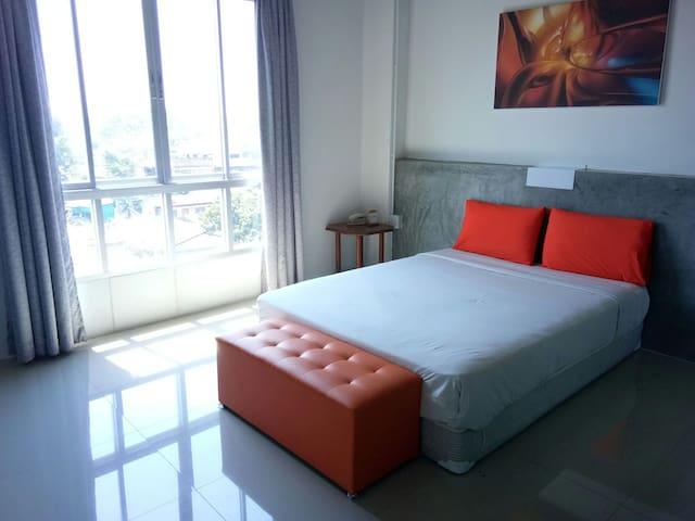 7days hotel patan brance - Chiang Mai - Apartemen