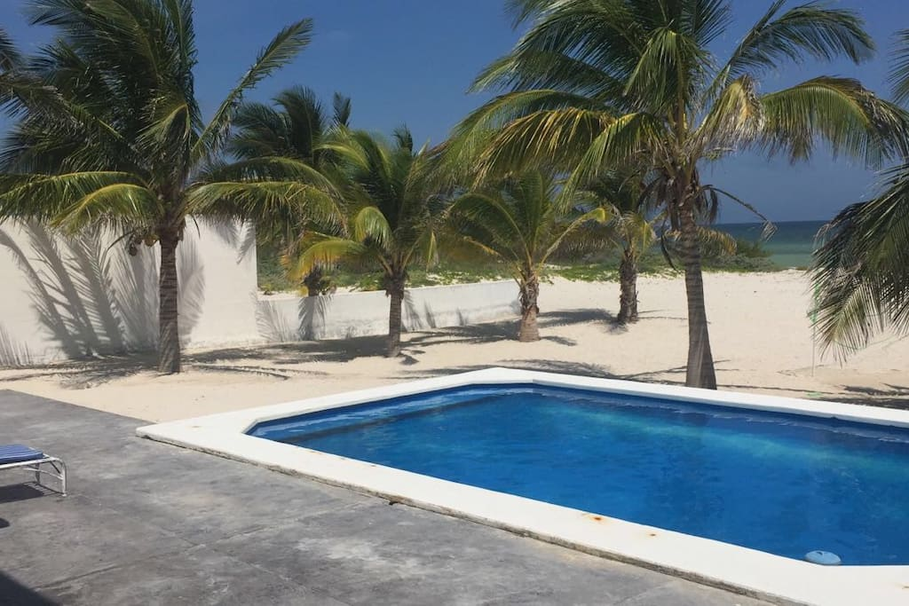 Long beach telchac vacation homes for rent in telchac for Pool show in long beach
