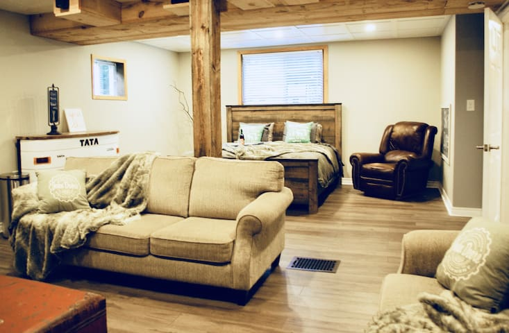 Moonstone Ski Chalet close to (Website hidden by Airbnb)