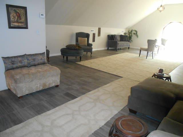 McKee Carriage House >Loft Suite - Ooltewah - Dormitorio para invitados