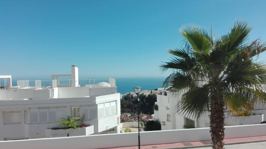 Bonito y acogedor apartamento con terraza - Benalmádena - Apartment