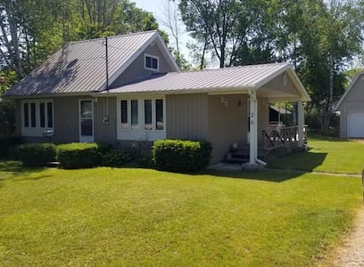 Bayfield cottage for weekly rentals