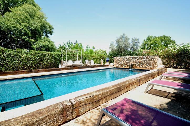 HolidayHouse 8 pax,  pool, wifi, close to Palma!