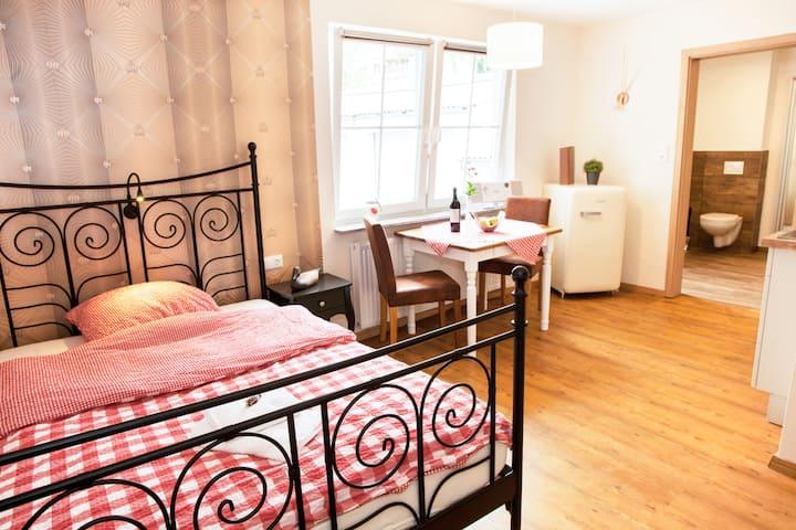 1-Zimmer-Apartment mit Bad Hans im Glück