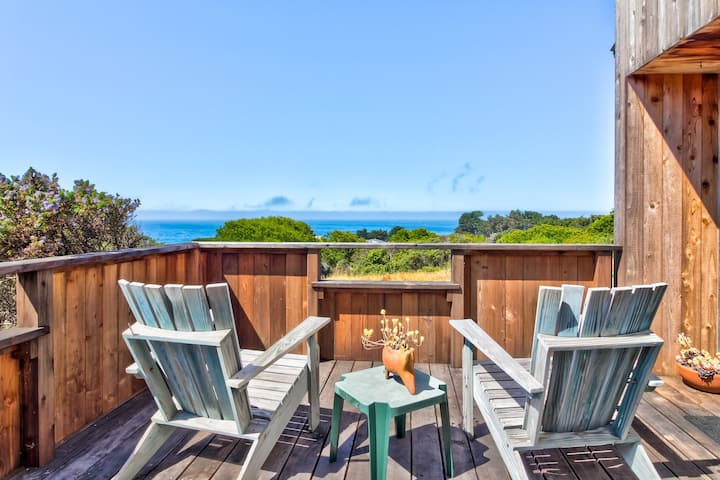 Ocean view home w/ shared pools, tennis & saunas - 2 dogs OK!