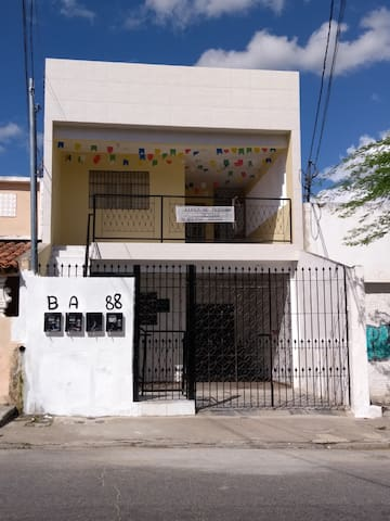 Apartamento próximo ao Parque do Povo (B)