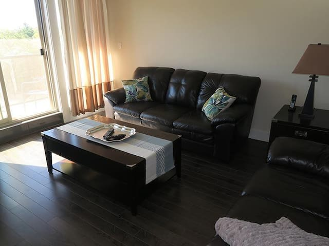 Beautiful 2 Bedroom 2 Bath Furnished Suite - Halifax