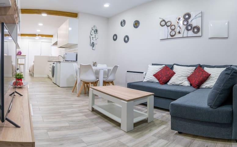 Apartamento independiente.Las Ventas.Wifi/Netflix.