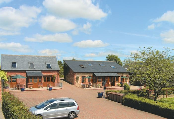 Stable Cottage, Self Catering