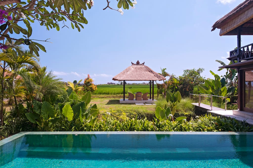 Breathtaking 6 bedroom architects bali compound villas for 6 bedroom villa bali