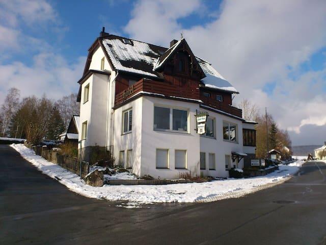 XXL-Gruppenferienhaus im Sauerland - Marsberg