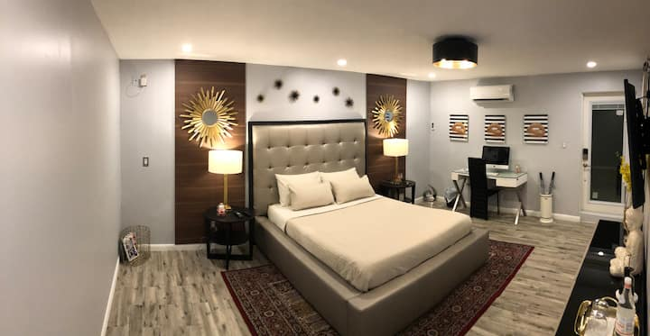 MIAMI PLEASANT GUEST ROOM WITH PRIV ENTRANCE