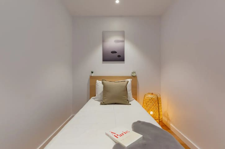 CBD 2BR by ICC & Darling Harbour with Parking
