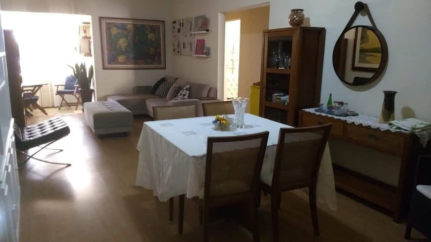 Apartamento 2qt no Point da Praia da Costa