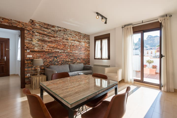 Charming House with Terrace and with parking incl. - Granada, Andalucía, ES - Flat