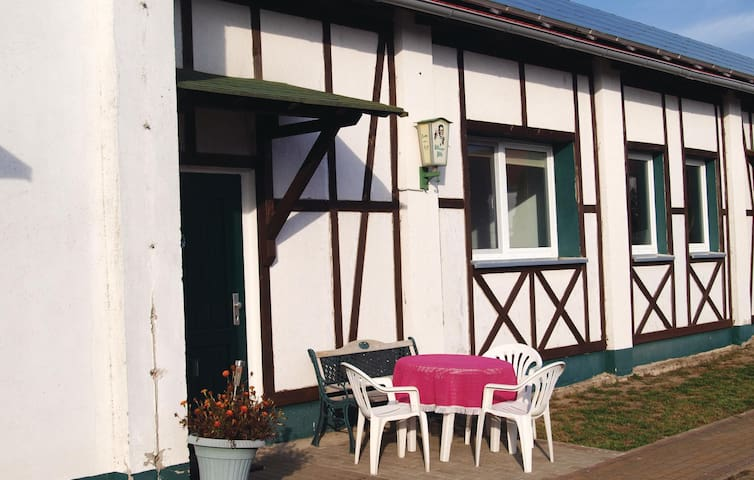 Holiday apartment with 2 bedrooms on 50 m² in Milmersdorf
