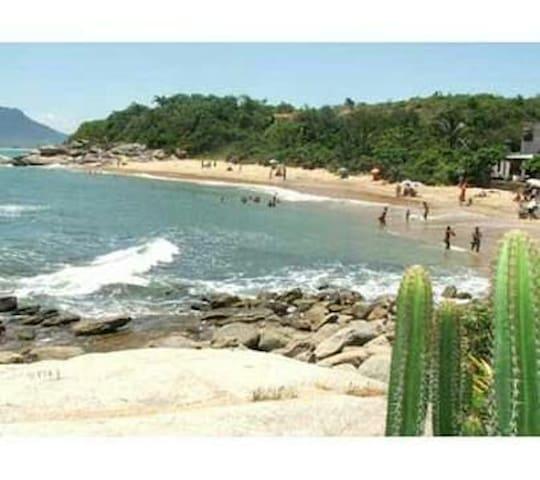Rio das Ostras, perto da praia e centro