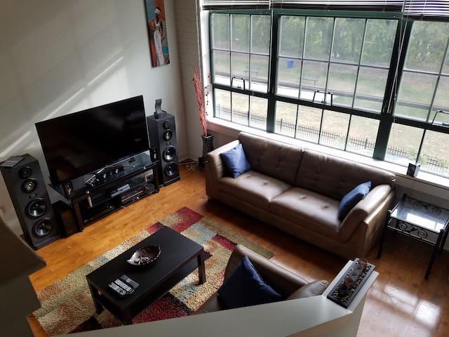 Spacious 2 Bedroom Townhouse in Manayunk - Philadelphia - Apartment