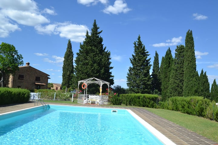 Spacious Holiday Home in Montaione with Swimming Pool