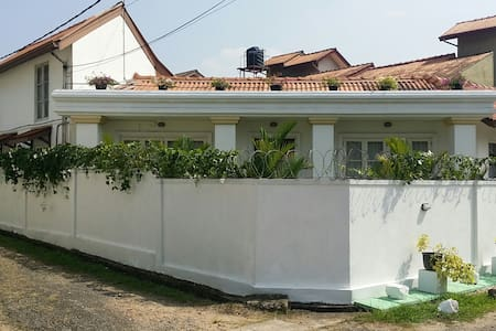 3Roomed fully furnished family home - Pannipitiya