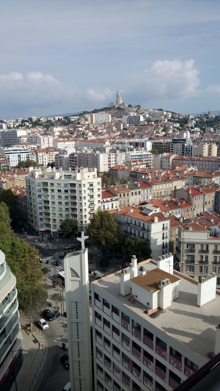 studio confortable vue imprenable sur MARSEILLE