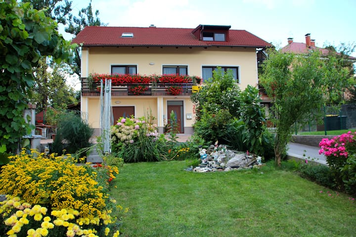 Private Room Postojna (2-3 guests) - Postojna - Bed & Breakfast