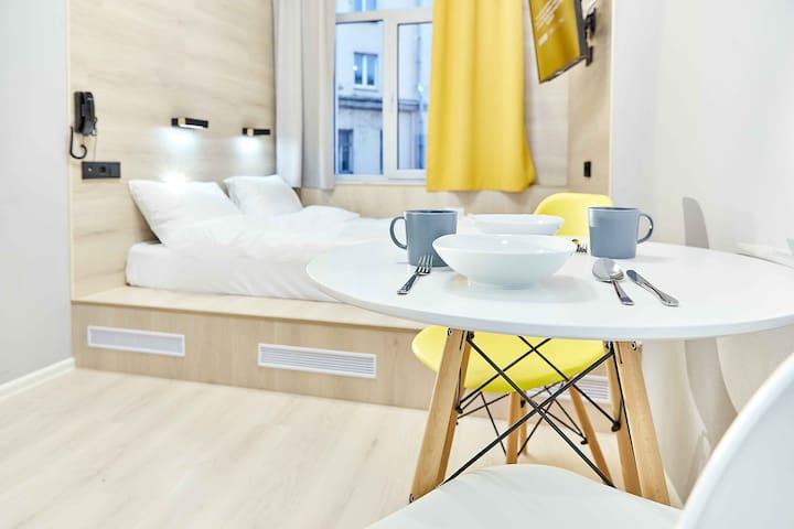 "Стандартные апартаменты в апарт-отеле ""White Apart"""