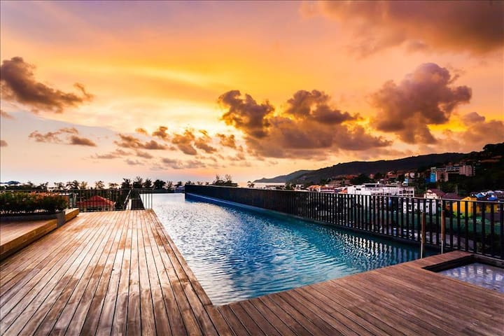 Luxury Patong Beach 44 sqm (NO HIDDEN FEES) for 2 with Pool & Gym!