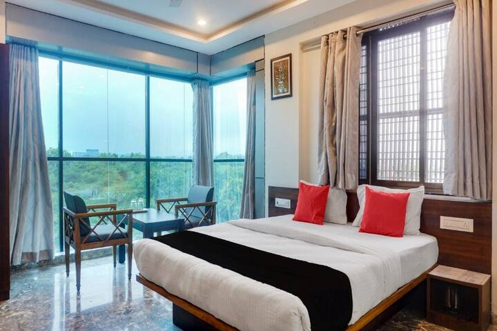 AC, Wifi, well sanitized stay near Pune Airport