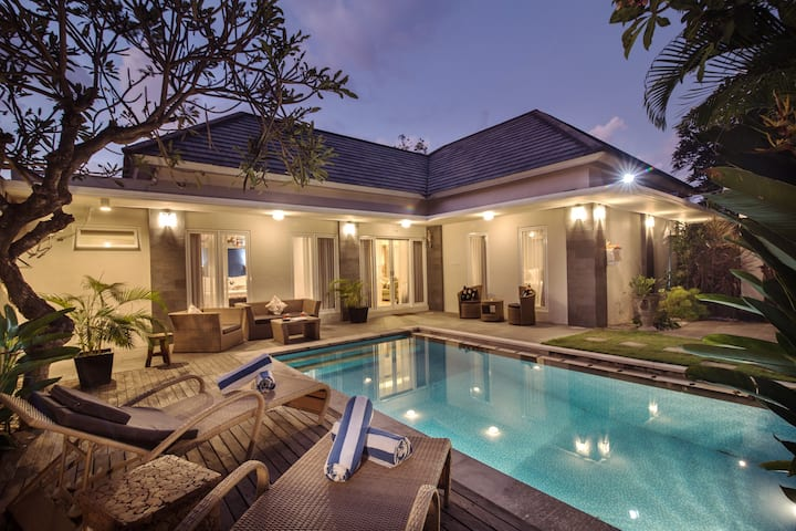 3BR Pool villa 10 min to Beach and Central Sanur