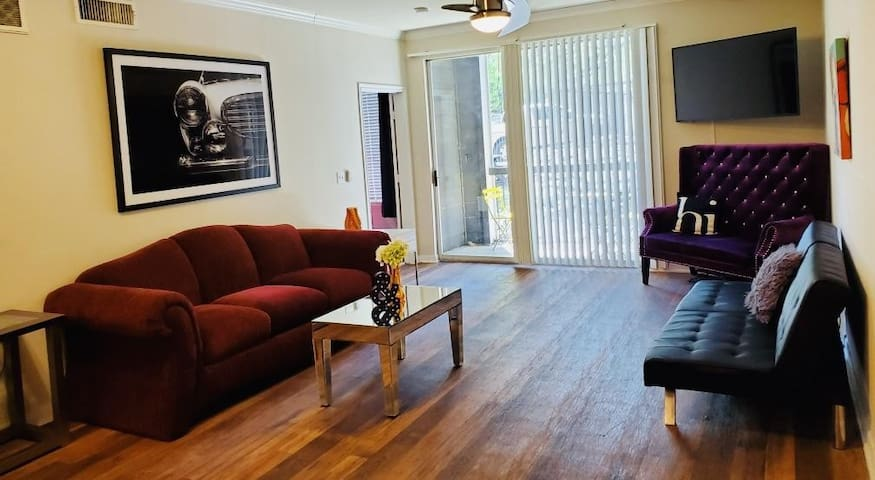 3BR - SoCo Cool! Huge, Hip, and Amazing Location