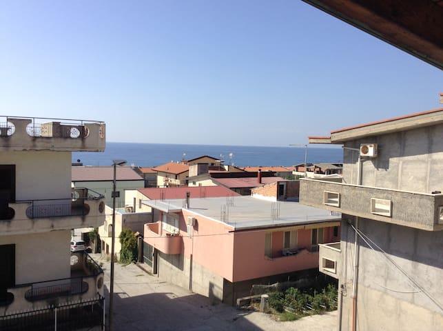 Casa Fata Morgana _ Appartamento Cielo - Bova Marina - House