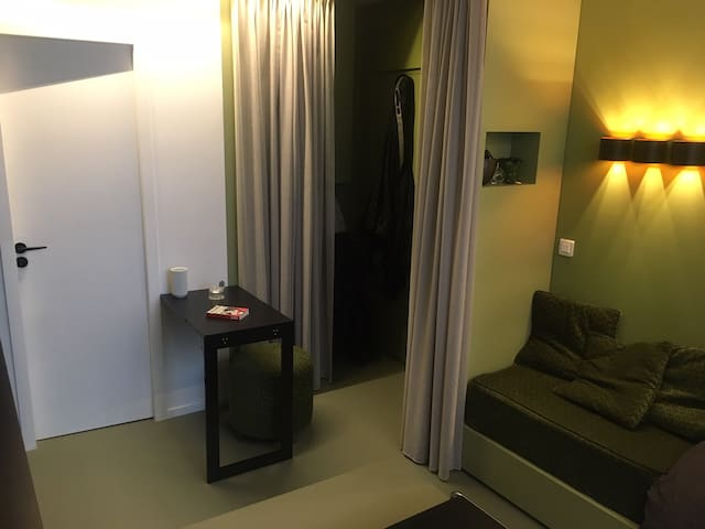 architect studio near Montparnasse