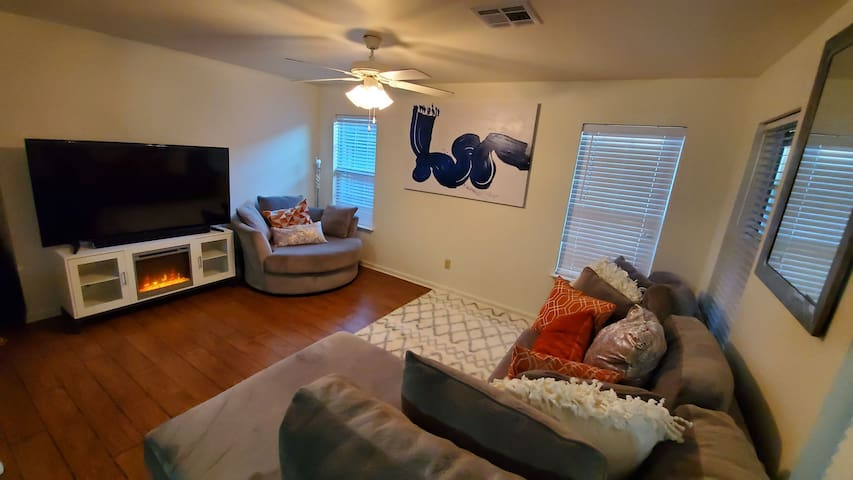 Cozy one bedroom FrenchQuarter Style Space Bywater