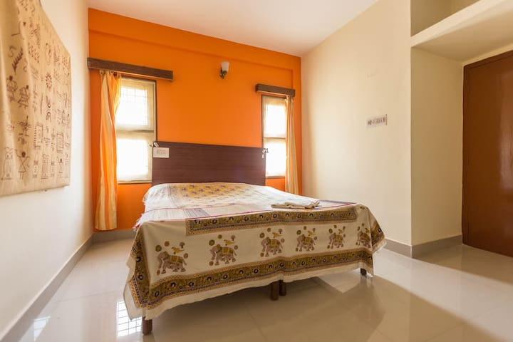 Syonam Griham 2BHK  FAMILY  guesthouse in RT Nagar