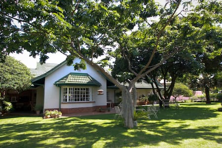 Golf Estate Family Home Double Room - Harare