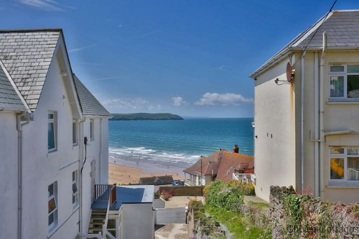 WOOLACOMBE SEA VIEW - Prime seaside location 5* REVIEWS