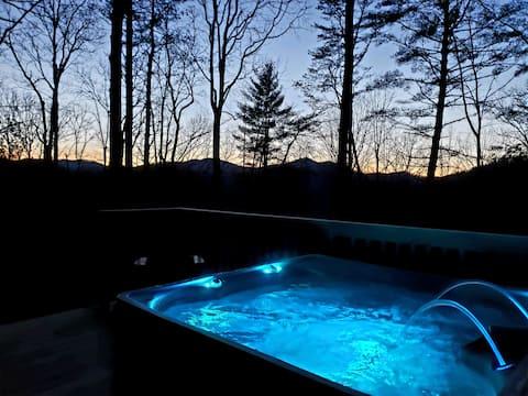 **Blue Moon Cabin-Mt. View/ Secluded /En Suit**