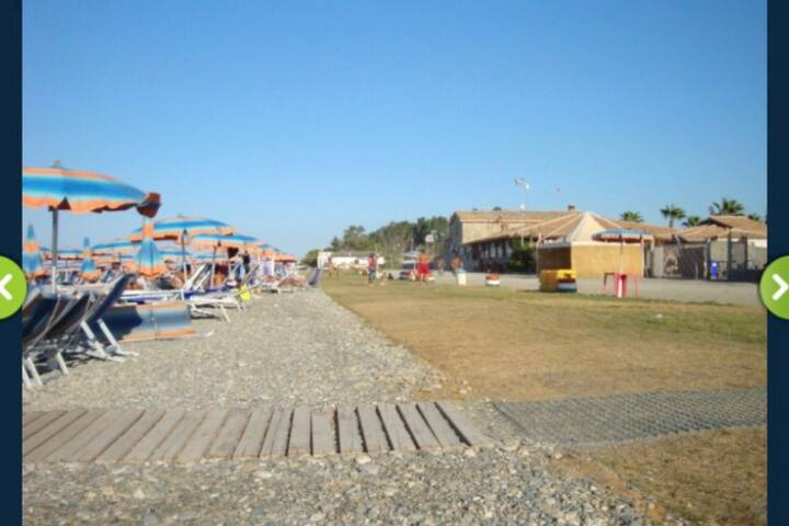 Fittasi villette a schiera inAcquapark Odissea2000