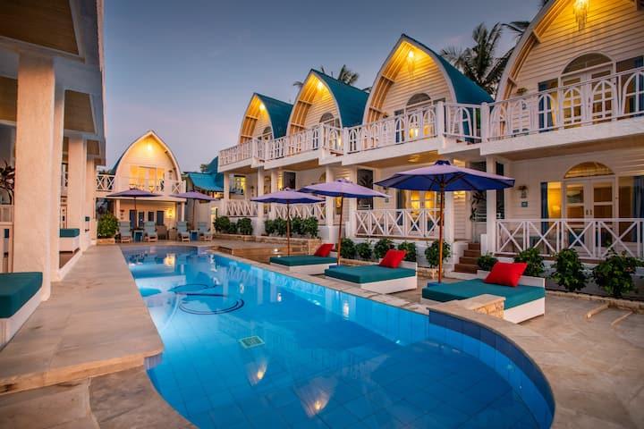 Romantic Hotel at Gili Trawangan-Santorini Beach