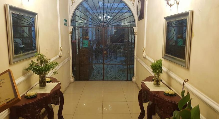 Luxurious home closer market November 20 - Oaxaca - House