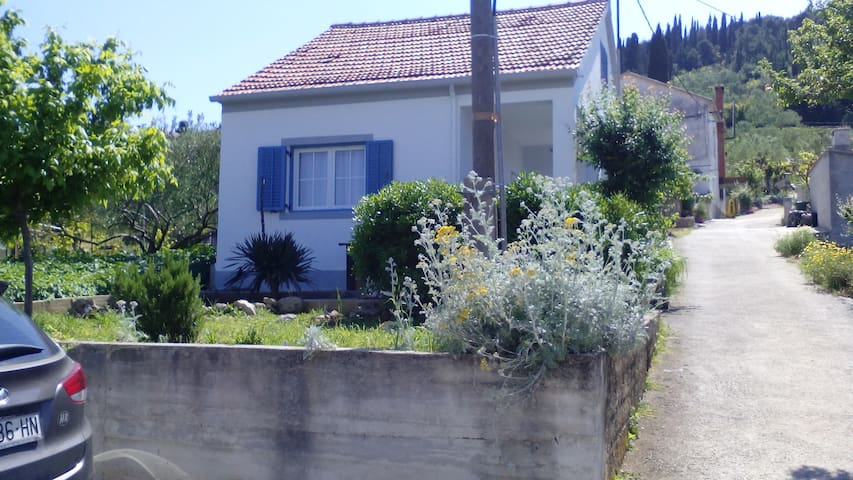 Ana's Island House - Oltre - Casa