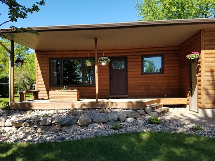 Fully Furnished  3 Bedroom Home Sioux Falls