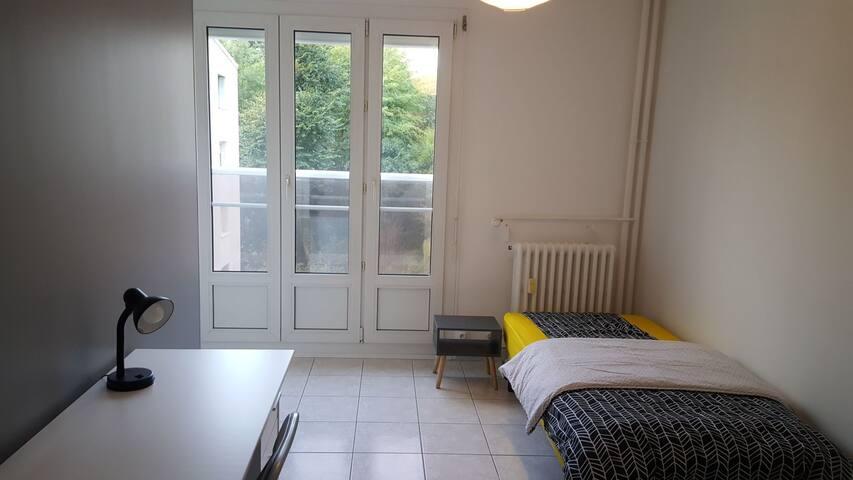 Appartement avec 4 chambres privées/séparées