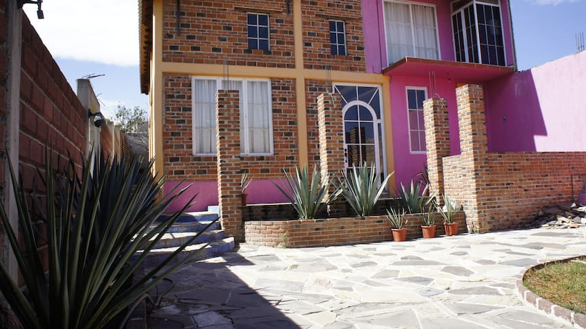 """Casa """"Relax en Teotihuacan"""" - Tezoyuca - House"""
