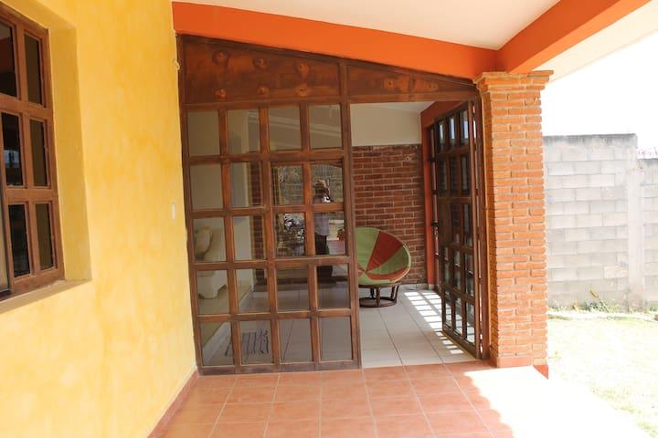 Bonita y cómoda casa en Oaxaca - San Andrés Huayápam, Oaxaca, MX - House