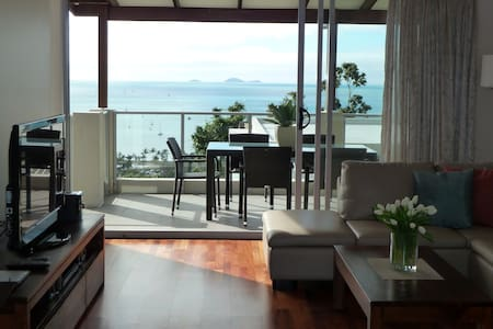 OSCARS VIEW UNLIMITED WIFI Whitsunday Reflections - エアリービーチ - アパート