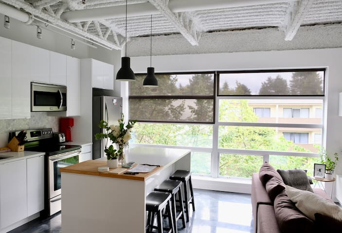 Modern + Unique Loft Living // Central location