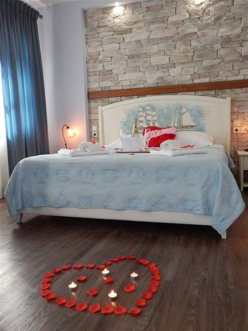 HoneyMoon Suite with Panoramic Sea View